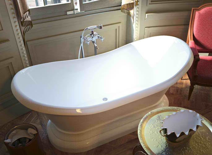 Whirlpools 34 x 71 Oval Freestanding Soaker Bathtub