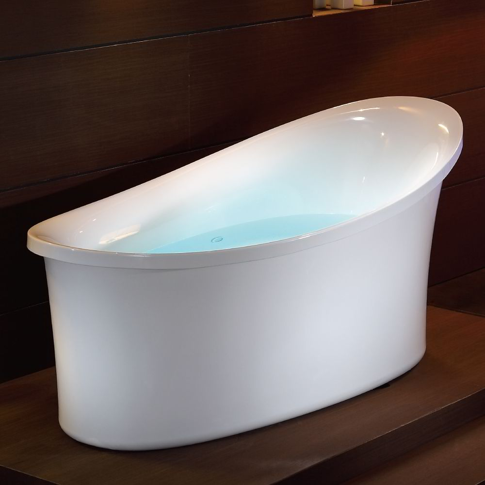 EAGO AM1800 6 ft. White Free Standing Air Bubble Bathtub